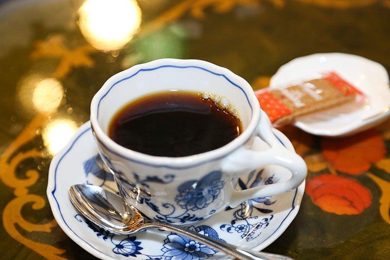 「COFFEE HOUSE RHAZES(ラーゼス)」が提供する「ラーゼス特選ハウスブレンド」