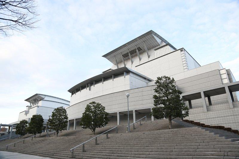 「滋賀県立芸術劇場びわ湖ホール」の外観